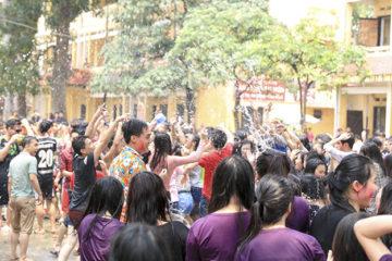 Trường Hữu nghị T78 tổ chức đón Tết cổ truyền Bunpimay 2560 cho các bạn LHS Lào
