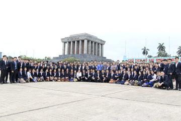 Lưu học sinh Lào tham quan và học tập tại thủ đô Hà Nội