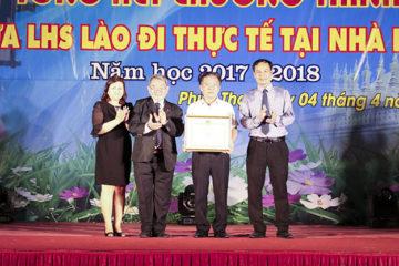 """Tổng kết chương trình """"Đưa LHS Lào đi thực tế tại nhà dân"""" năm học 2017 – 2018"""