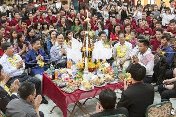 Trường Hữu nghị T78 tổ chức đón Tết cổ truyền Bunpimay 2561 cho các bạn LHS Lào