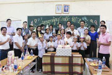 Trường Hữu Nghị T78 tổ chức Tết thiếu nhi cho LHS Lào học tập tại trường